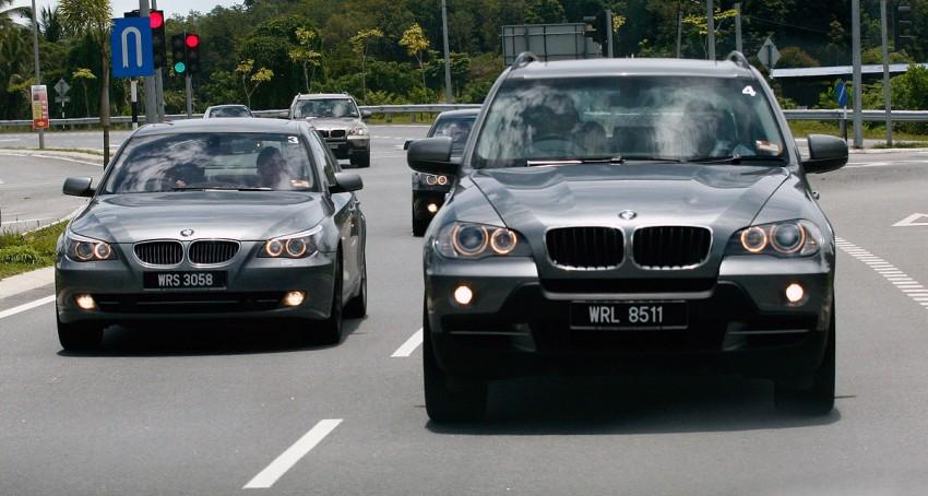 The E60 BMW 5-Series Facelift Range Test Drive: BMW 523i SE, 525i Sports and 530i Image #273209
