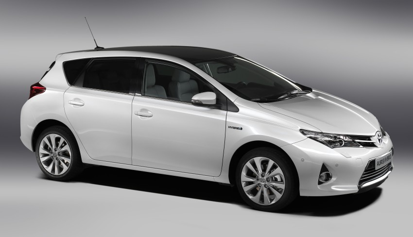 2013 Toyota Auris C-segment hatchback unveiled! Image #126124