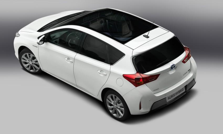 2013 Toyota Auris C-segment hatchback unveiled! Image #126122
