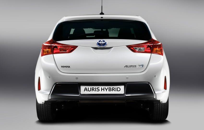 2013 Toyota Auris C-segment hatchback unveiled! Image #126120