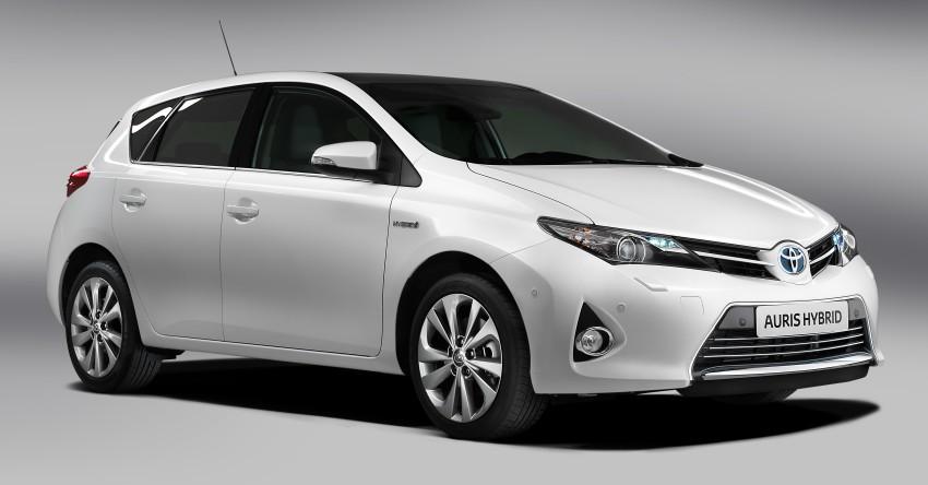2013 Toyota Auris C-segment hatchback unveiled! Image #126123