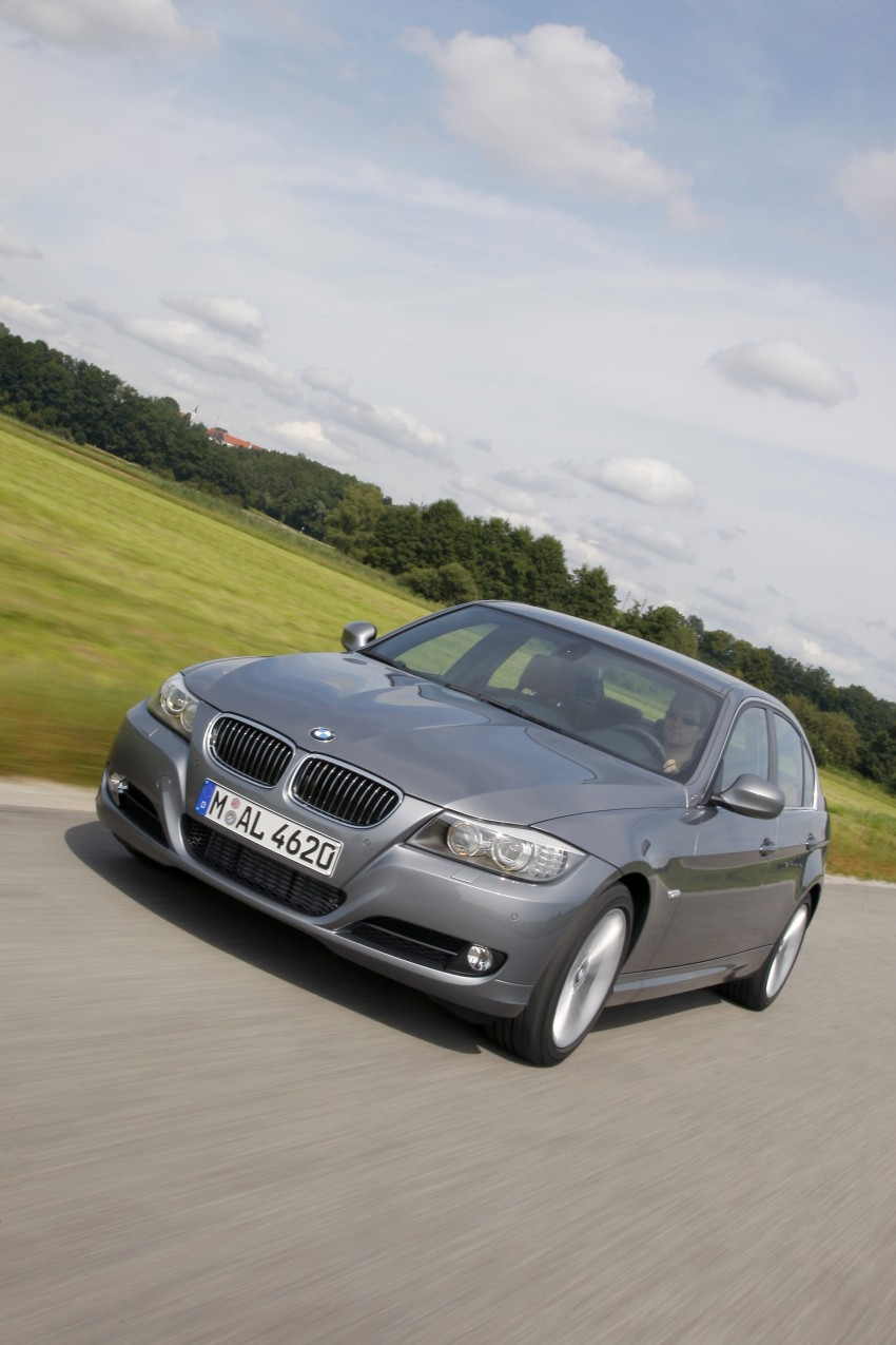 2009 BMW 335i and 330d LCI Review Image #273594
