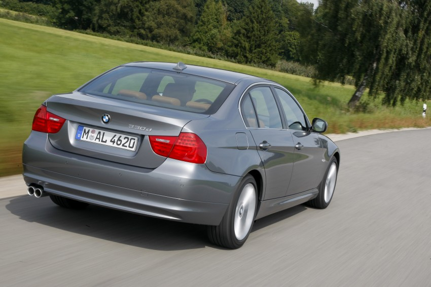 2009 BMW 335i and 330d LCI Review Image #273585