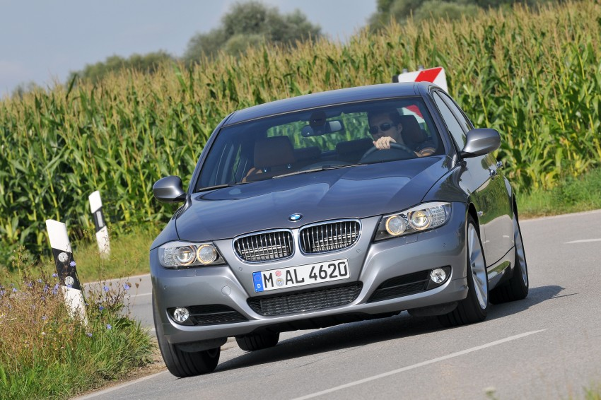 2009 BMW 335i and 330d LCI Review Image #273582