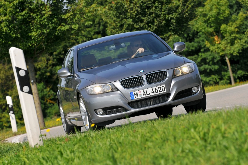 2009 BMW 335i and 330d LCI Review Image #273581