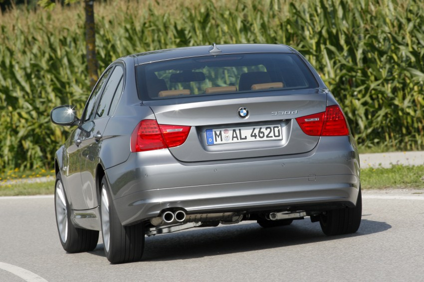 2009 BMW 335i and 330d LCI Review Image #273578