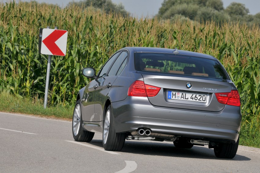 2009 BMW 335i and 330d LCI Review Image #273576