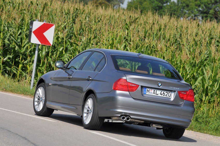 2009 BMW 335i and 330d LCI Review Image #273575