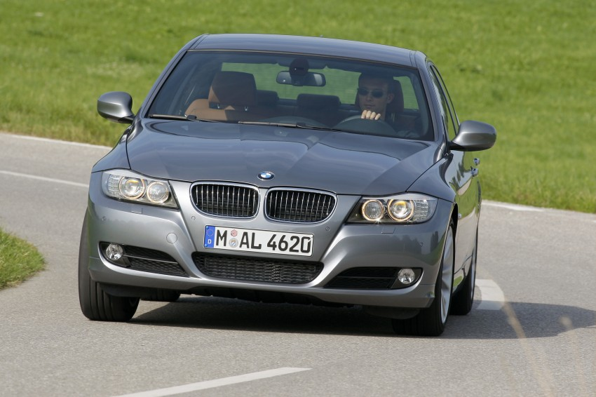 2009 BMW 335i and 330d LCI Review Image #273574