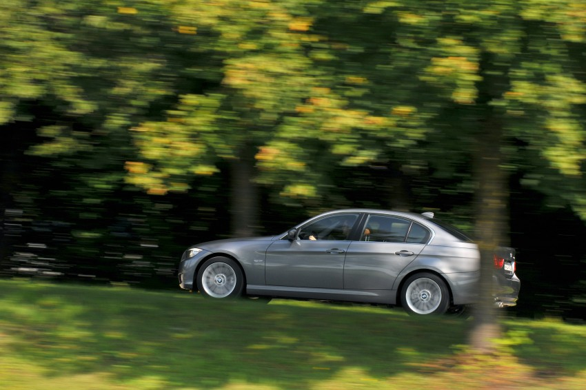 2009 BMW 335i and 330d LCI Review Image #273569