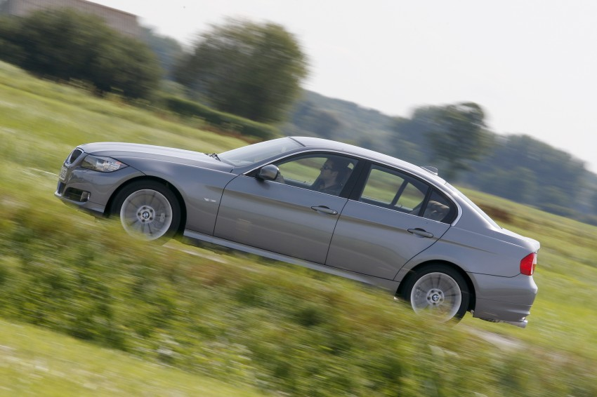 2009 BMW 335i and 330d LCI Review Image #273564