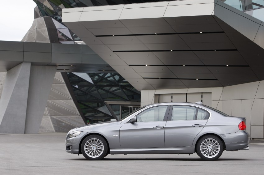 2009 BMW 335i and 330d LCI Review Image #273559