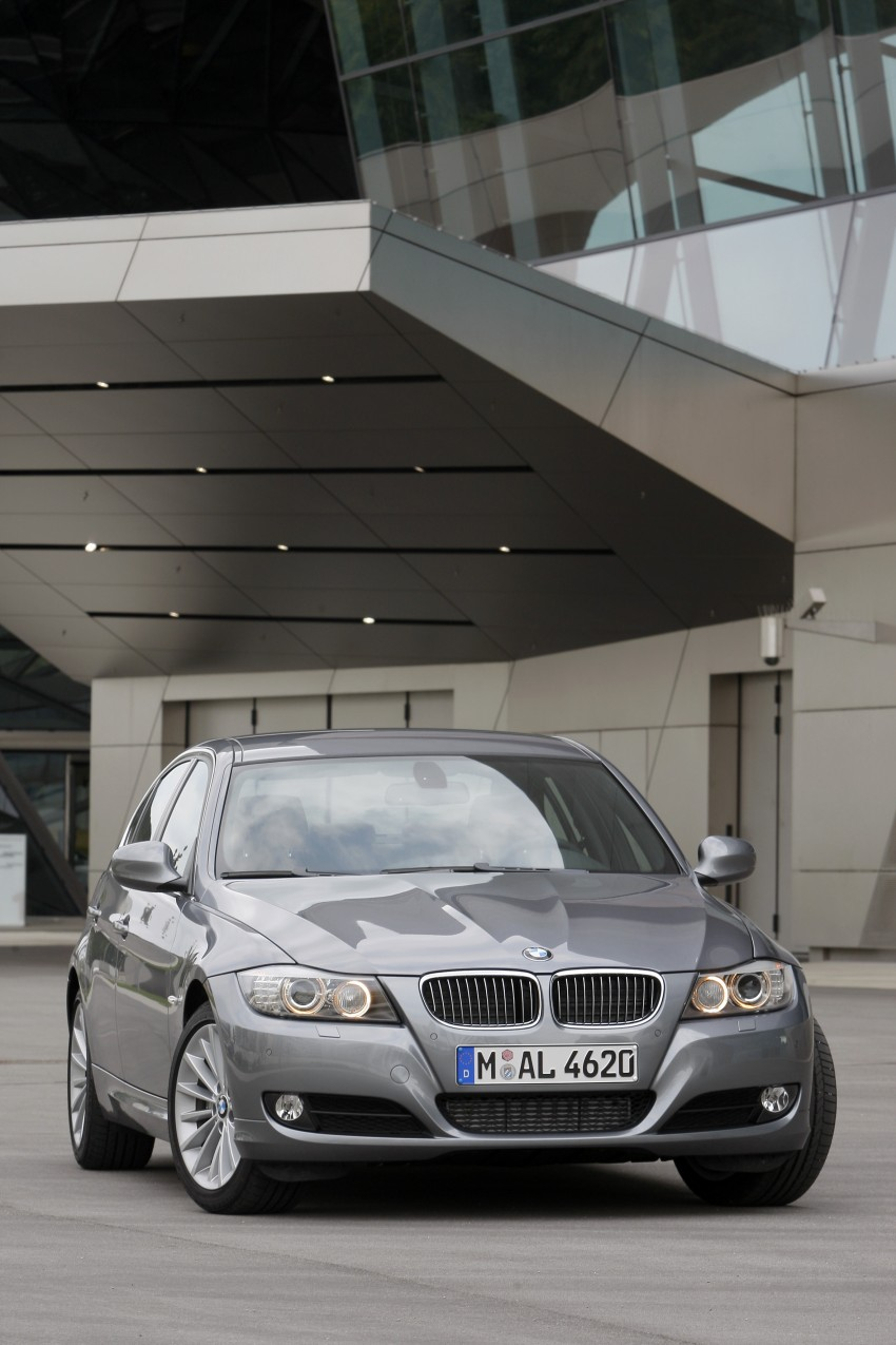 2009 BMW 335i and 330d LCI Review Image #273558