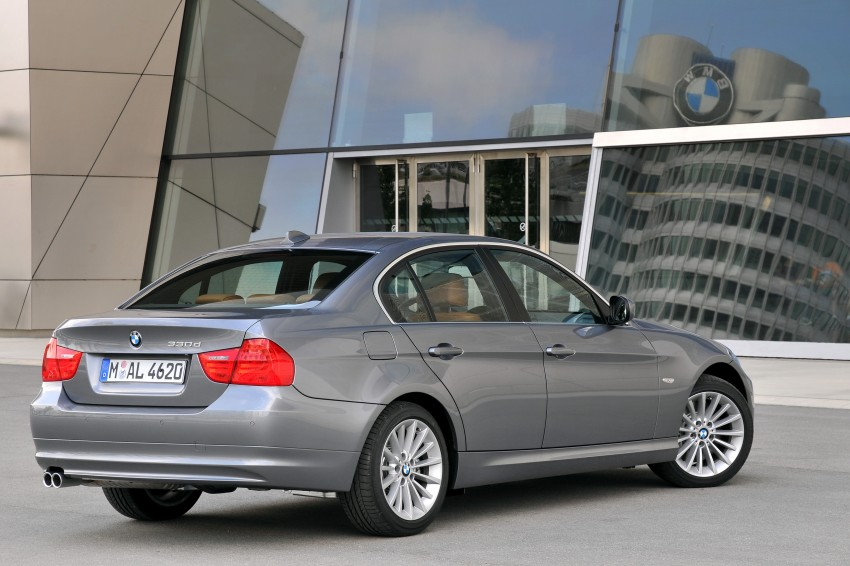 2009 BMW 335i and 330d LCI Review Image #273556
