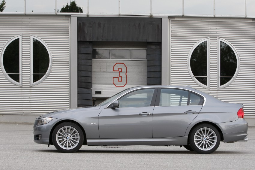2009 BMW 335i and 330d LCI Review Image #273555