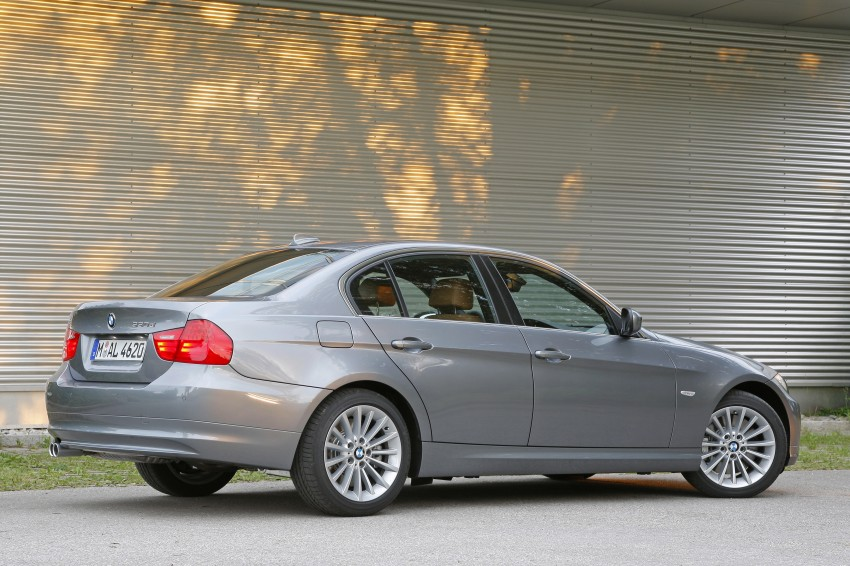 2009 BMW 335i and 330d LCI Review Image #273553