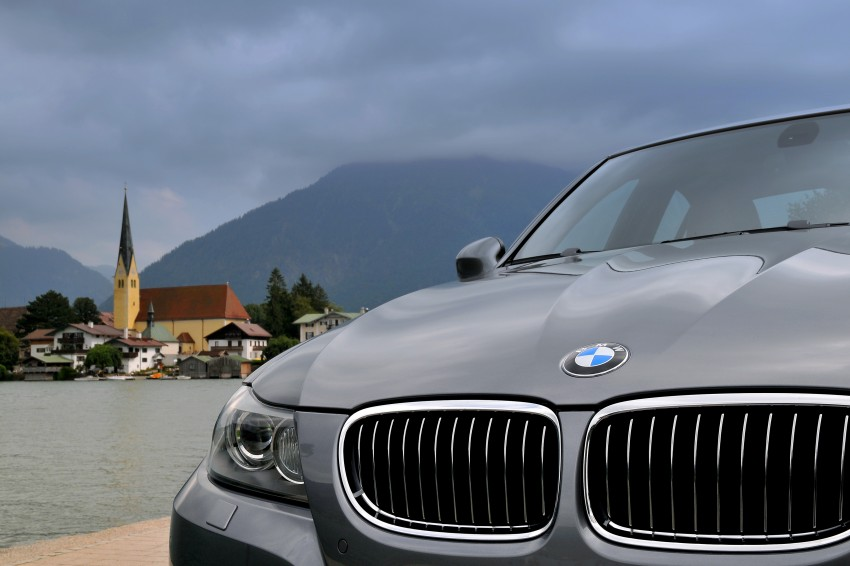 2009 BMW 335i and 330d LCI Review Image #273551