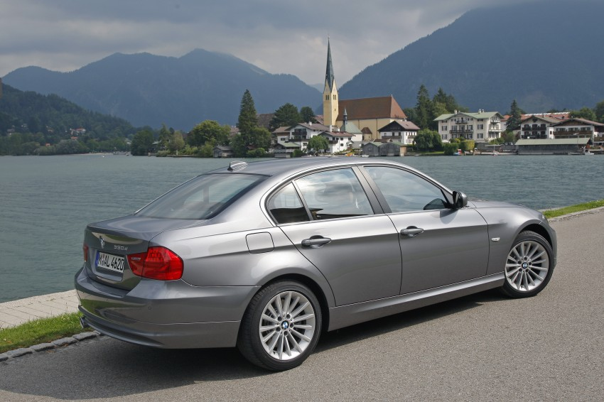 2009 BMW 335i and 330d LCI Review Image #273550