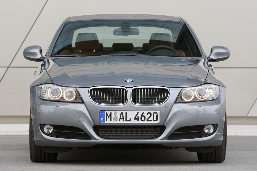 2009 BMW 335i and 330d LCI Review Image #273548