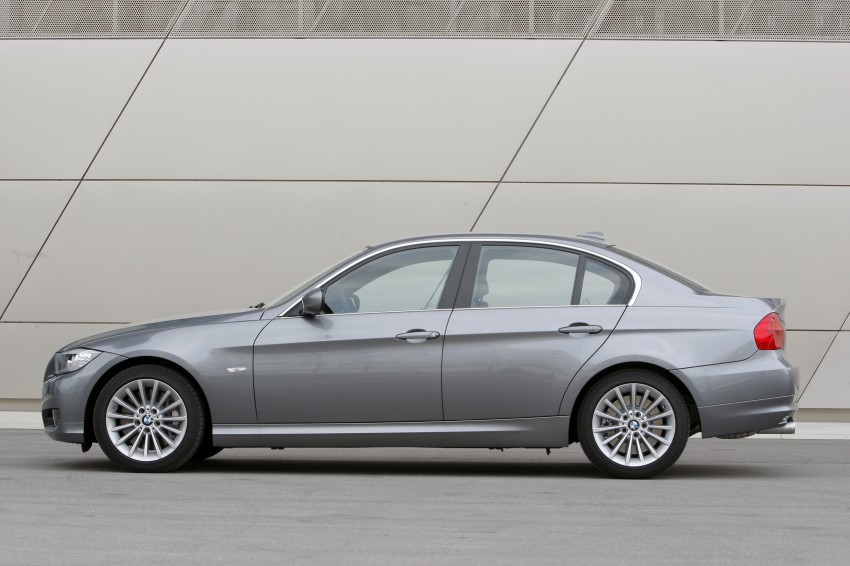 2009 BMW 335i and 330d LCI Review Image #273546