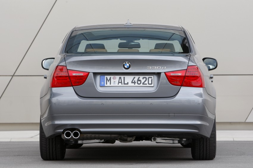 2009 BMW 335i and 330d LCI Review Image #273544
