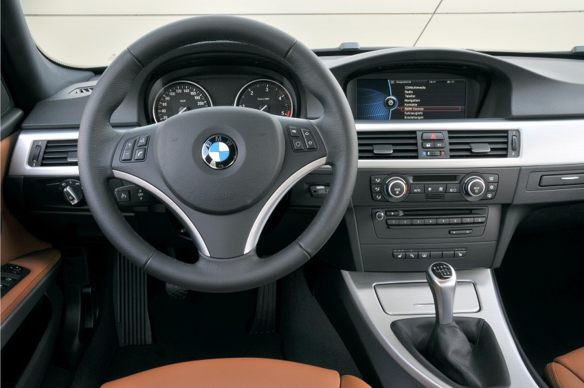 2009 BMW 335i and 330d LCI Review Image #273539