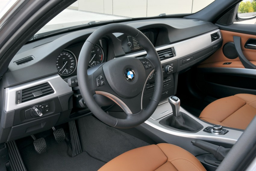 2009 BMW 335i and 330d LCI Review Image #273538