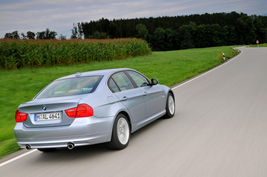 2009 BMW 335i and 330d LCI Review Image #273681