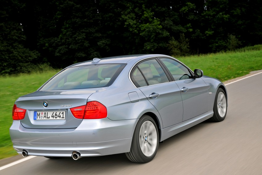 2009 BMW 335i and 330d LCI Review Image #273680