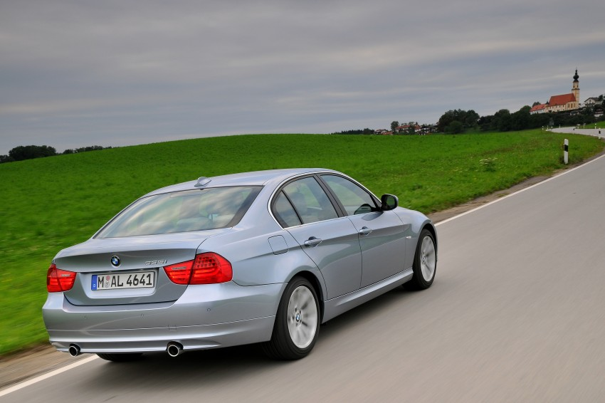 2009 BMW 335i and 330d LCI Review Image #273679