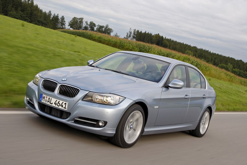 2009 BMW 335i and 330d LCI Review Image #273677