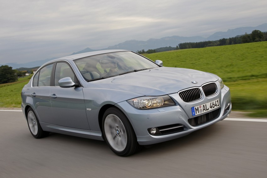 2009 BMW 335i and 330d LCI Review Image #273674
