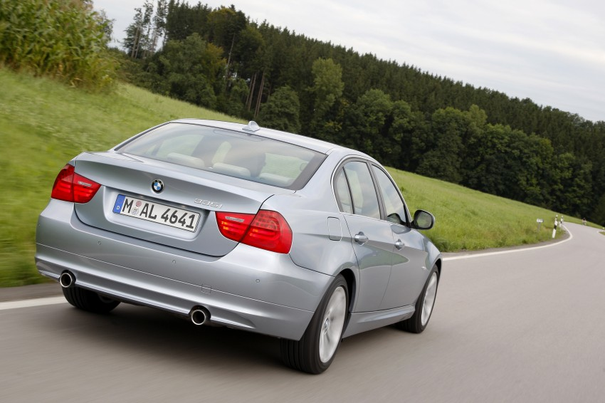 2009 BMW 335i and 330d LCI Review Image #273673