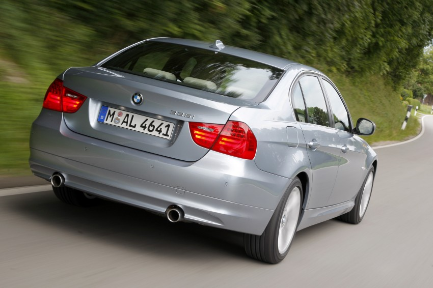 2009 BMW 335i and 330d LCI Review Image #273671