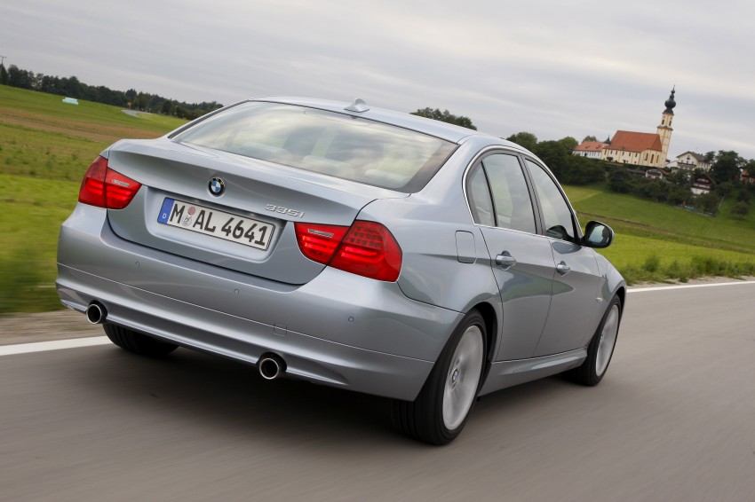 2009 BMW 335i and 330d LCI Review Image #273670