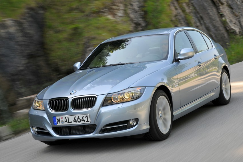 2009 BMW 335i and 330d LCI Review Image #273669