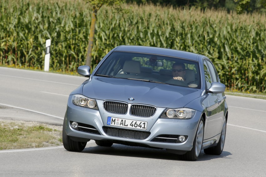 2009 BMW 335i and 330d LCI Review Image #273662