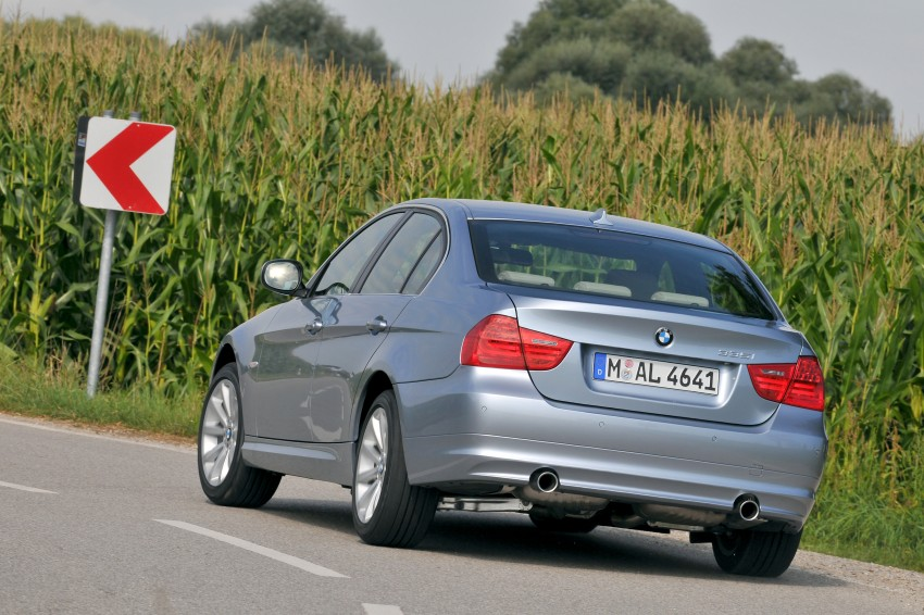 2009 BMW 335i and 330d LCI Review Image #273660