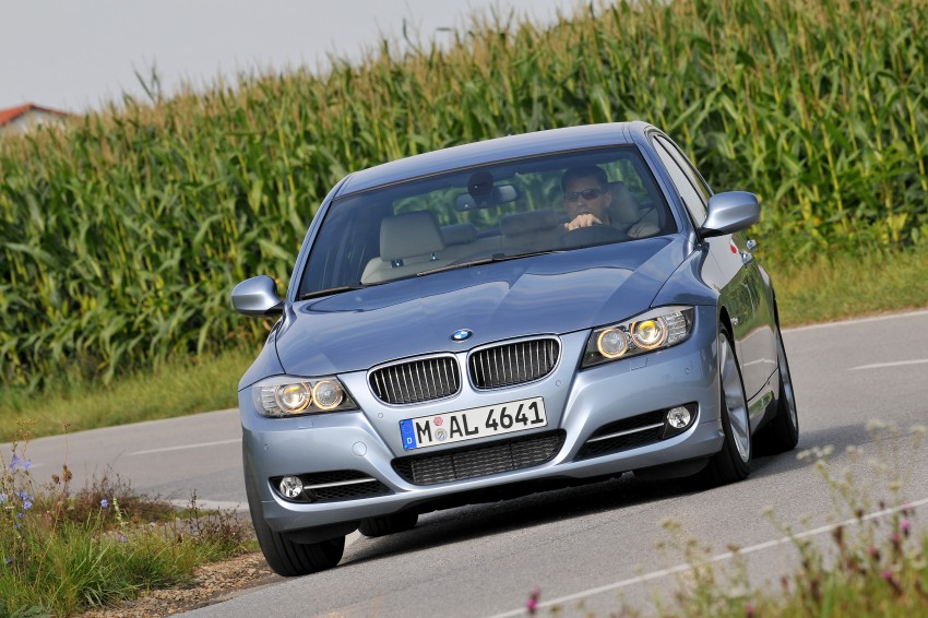 2009 BMW 335i and 330d LCI Review Image #273659