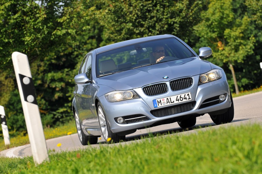 2009 BMW 335i and 330d LCI Review Image #273658