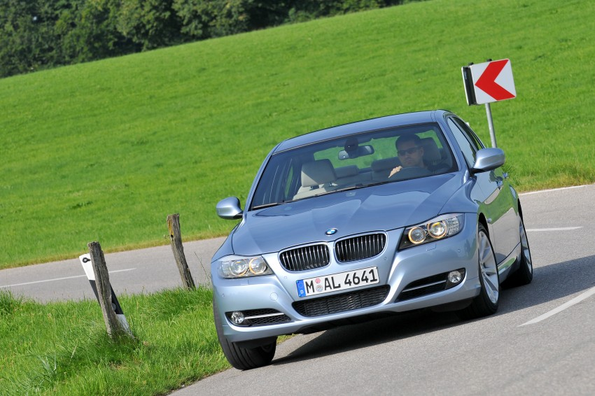 2009 BMW 335i and 330d LCI Review Image #273657