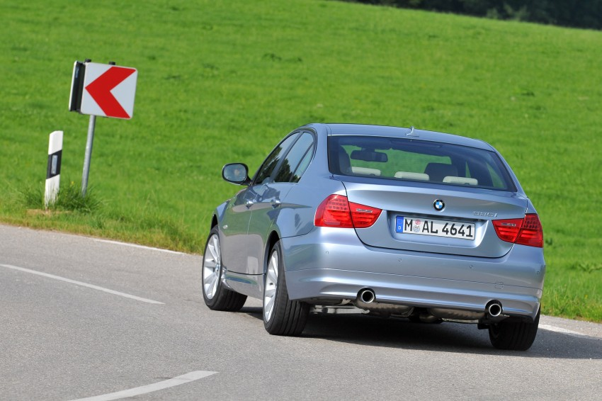 2009 BMW 335i and 330d LCI Review Image #273656