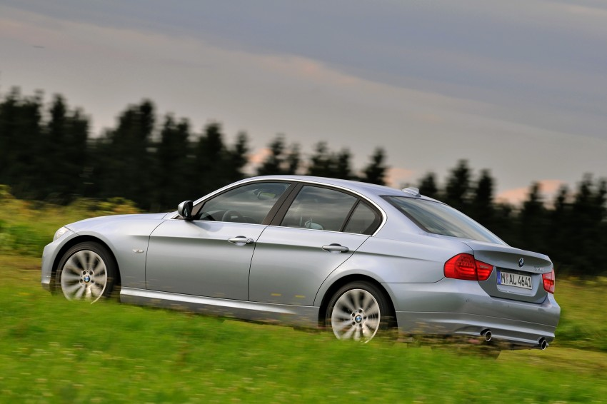 2009 BMW 335i and 330d LCI Review Image #273651
