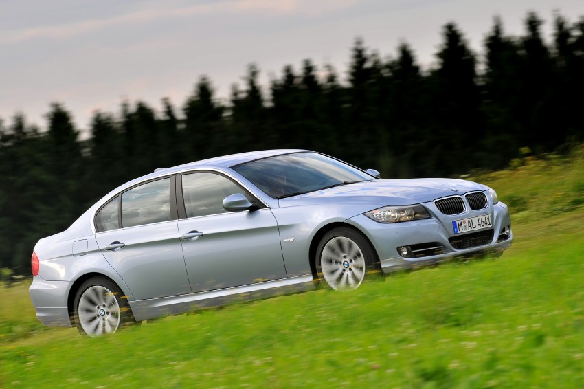 2009 BMW 335i and 330d LCI Review Image #273650