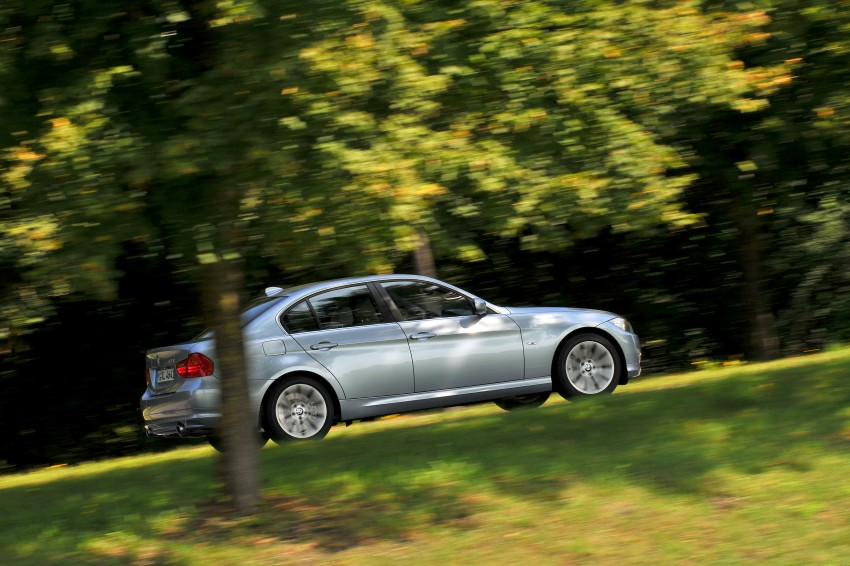 2009 BMW 335i and 330d LCI Review Image #273648