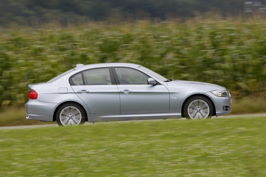 2009 BMW 335i and 330d LCI Review Image #273646