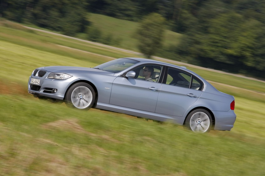 2009 BMW 335i and 330d LCI Review Image #273645