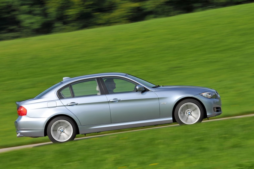 2009 BMW 335i and 330d LCI Review Image #273643