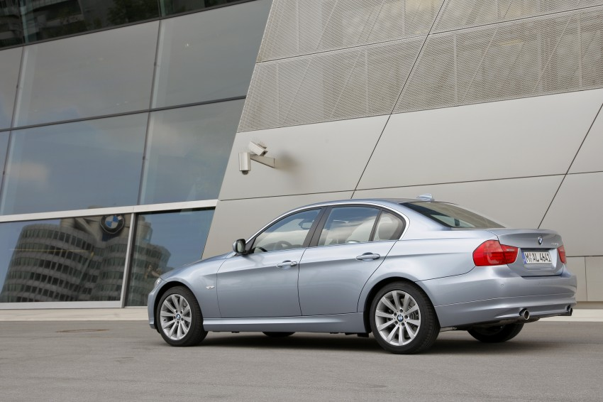 2009 BMW 335i and 330d LCI Review Image #273638
