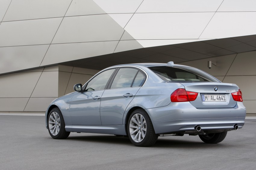 2009 BMW 335i and 330d LCI Review Image #273635